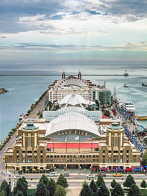 English: Picture of Navy Pier taken from Lake ...