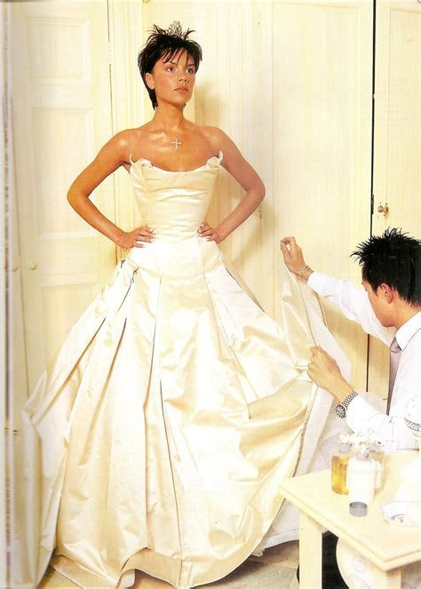VERA WANG DRESS   VICTORIA BECKHAM   R1.1 MILLION   Lady