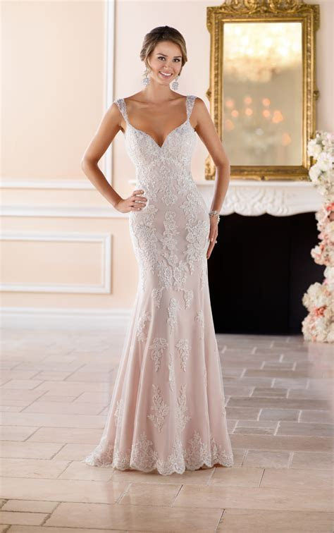 Old Hollywood Glamour Wedding Dress with Long Train