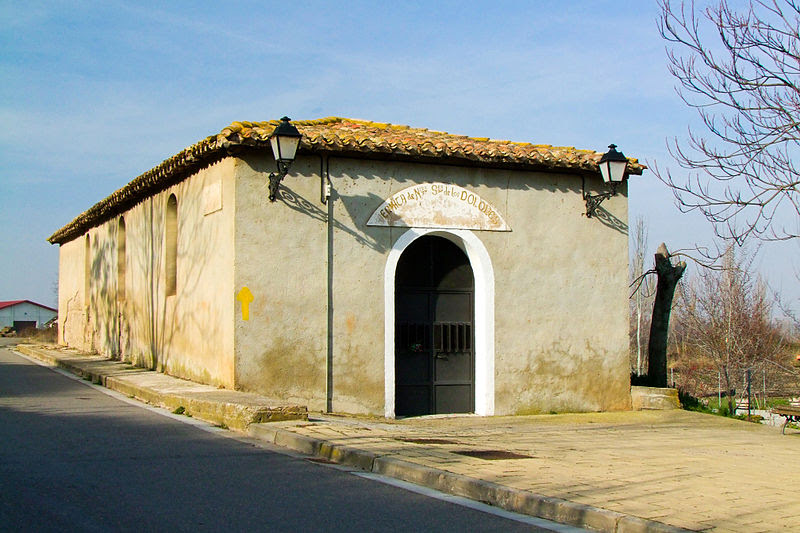File:Ermita de Nuestra Señora de los Dolores-Agoncillo-18362.jpg