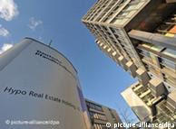 ARCHIV - Die Zentrale der Hypo Real Estate (HRE) in Unterschleißheim bei München (Oberbayern) am 25.03.2010. Die umstrittene Verstaatlichung des Immobilienfinanzierers Hypo Real Estate (HRE) wird zu einem Fall für den Europäischen Gerichtshof. Die 5. Kammer für Handelssachen des Landgerichts München kündigte an, die Klage mehrerer ehemaliger Aktionäre dem EuGH vorzulegen. Foto: Andreas Gebert dpa/lby +++(c) dpa - Bildfunk+++