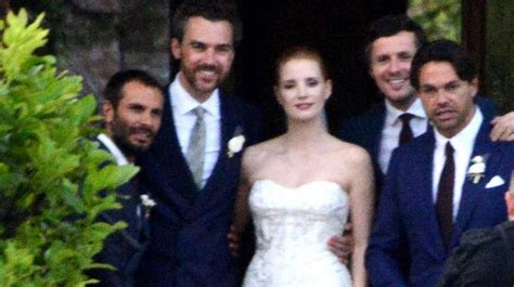 flash star danielle panabaker marries hayes robbins