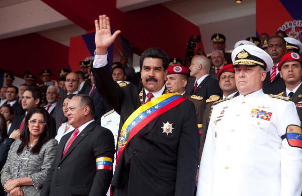 (VIDEO) Presidente Maduro: O luchamos hoy o la corrupción se tragará a la patria