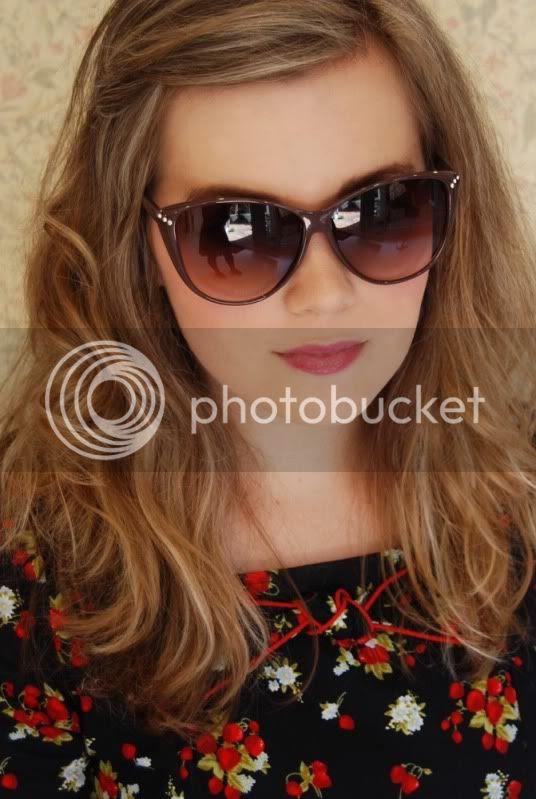 the yellow brick road boutique rosa sunglasses