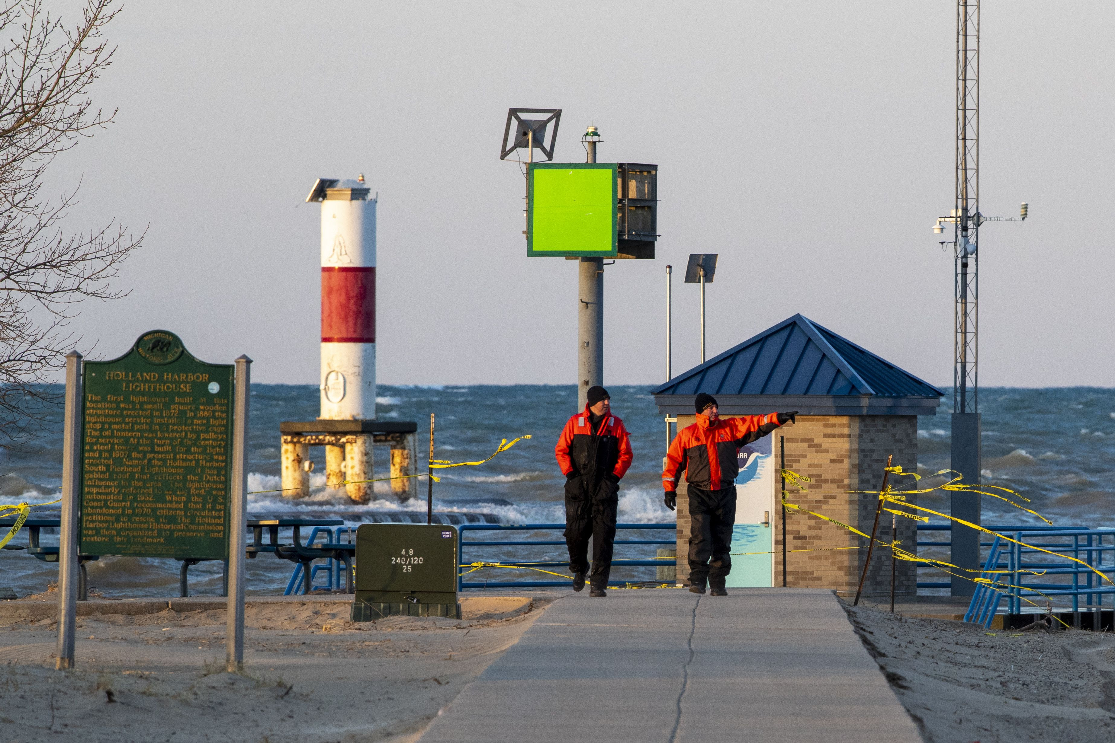 Who Can Close The Lake Michigan Piers It S Complicated And Unique In Holland Mlive Com