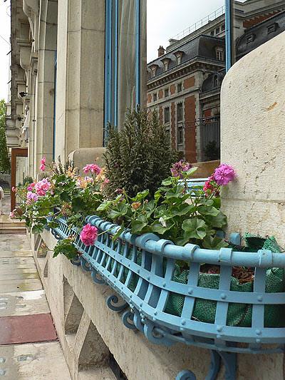 vichy, fleurs et balcons.jpg