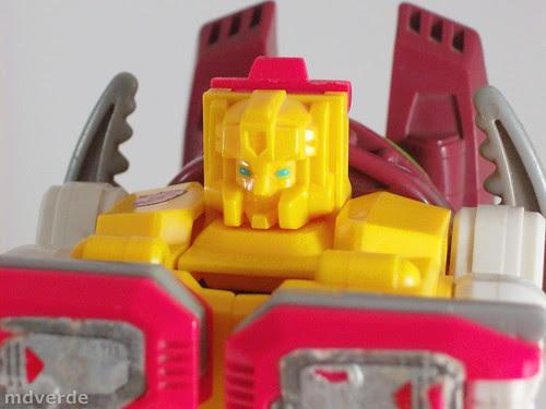 Transformers Repugnus G1 - modo robot