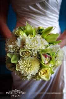 white bridal bouquet Pictures, Images and Photos
