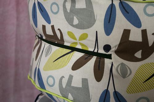 Floor cushion - zipper detail