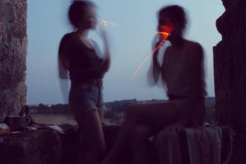 http://cranien.tumblr.com/post/64671285582/derniere-cigarette-avant-que-la-nuit-ne-tombe