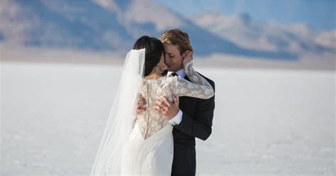 What Do Dreams About Weddings Mean?   POPSUGAR Love & Sex
