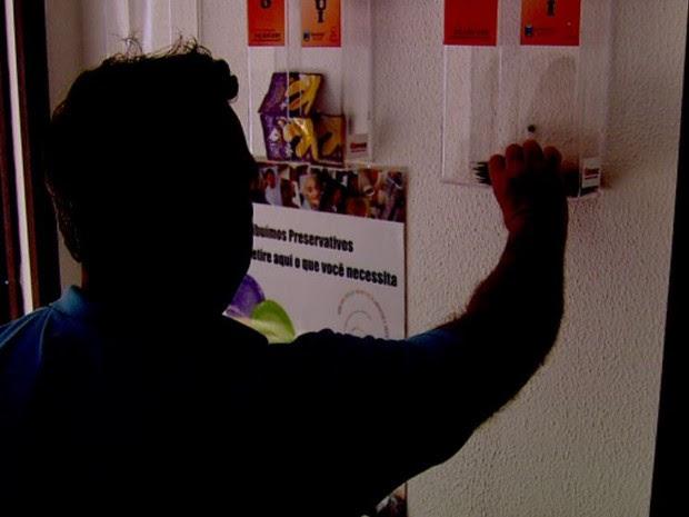 Araraquara mudou a forma de distribuir preservativos para evitar a inibição (Foto: Felipe Lazzarotto/EPTV)
