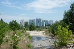 Complexul de fundaţii văzut din marginea vestică