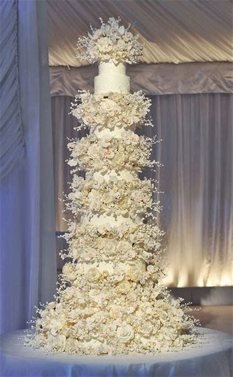 Wedding Cakes   Tall vs Short  ~ Hot Chocolates Blog