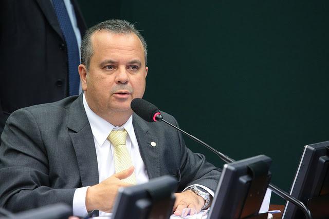 Rogério na comissão