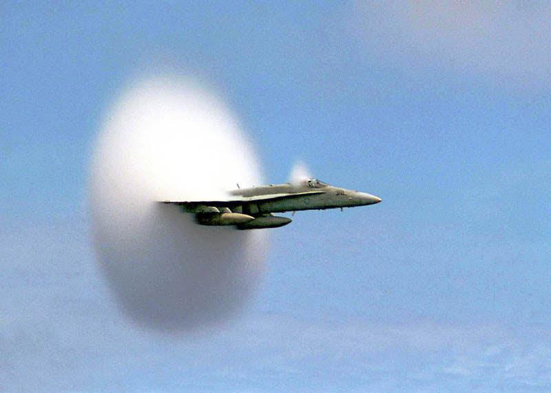 αεροπλάνου-σπάσιμο-the-sound-φράγμα-τέλειος συγχρονισμός