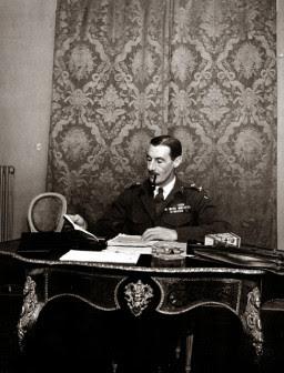 Ο στρατηγός Ρόναλντ Σκόμπι, διοικητής των βρετανικών δυνάμεων
