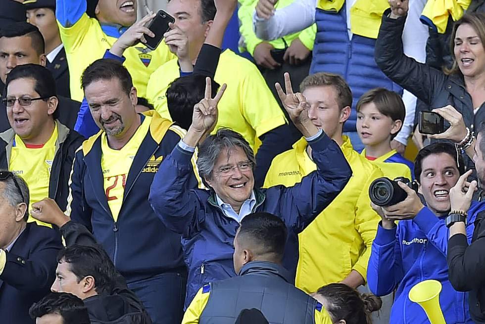 El candidato Guillermo Lasso, el martes en el estadio Atahualpa de Quito.