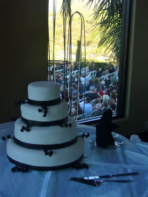 What is the Average Cost of a Wedding Cake?   My Tucson