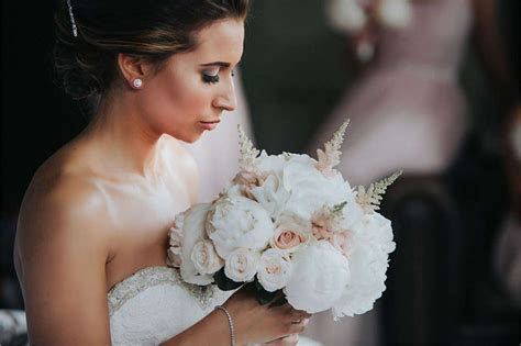How Much Do Wedding Flowers Cost?   hitched.co.uk