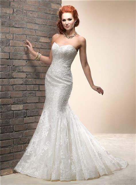 Elegant Fitted Mermaid Sweetheart Lace Wedding Dress With