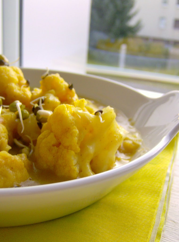 Curry de papas y coliflor