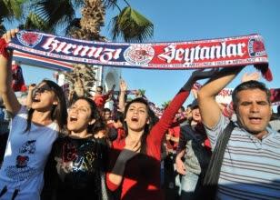 Mersin'de kutlamalar sürüyor