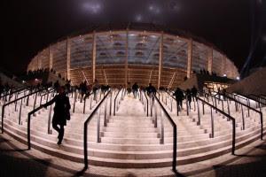 Из-за неработающих турникетов перед Олимпийским образовались огромные толпы
