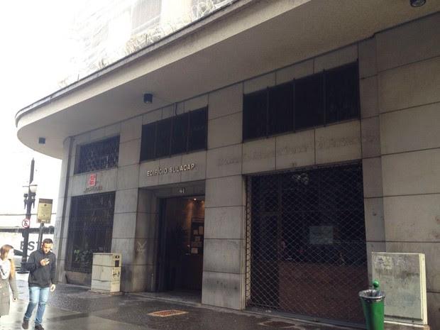 Empresa de Taiguara funcionava em prédio ao lado da Polícia Federal (Foto: Mariane Rossi / G1)
