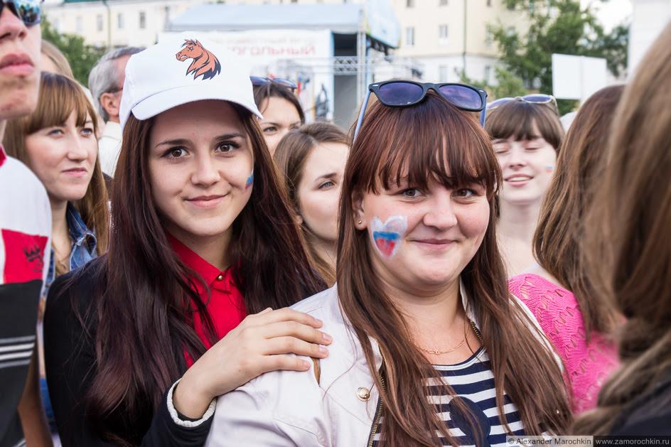 Болельщицы на фестивале FIFA в Саранске