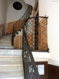 casa-planells-escalera