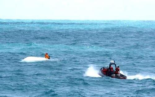 ARD y DC buscan 17 personas se iban a PR en yola y zozobraron en alta mar