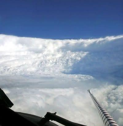 A hurricane hunter aircraft flies through the eye of Katrina.