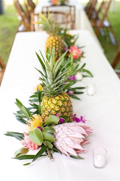Tropical   Colorful Wedding in Kauai Botanical Garden