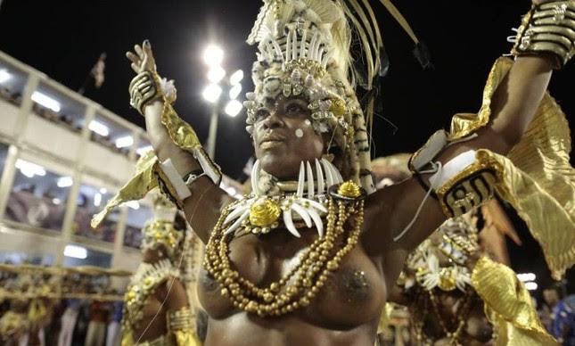 A Beija-Flor mostrou as belezas de Guiné Equatorial (Foto: Pedro Kirilos / Agência O Globo)