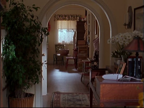 Lorelai's house-looking into kitchen