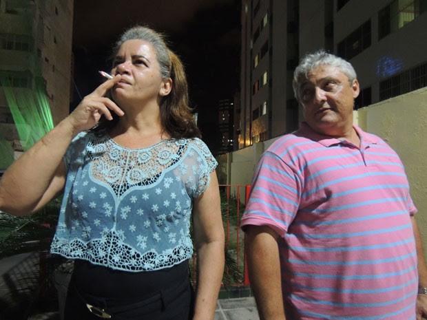 Enquanto Antônio conseguiu abadonar o cigaro, sua esposa, Cleide, voltou a fumar após tentativa de parar com o vício (Foto: Vitor Tavares / G1)