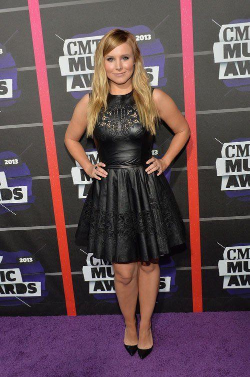 2013 CMT Music Awards - June 5, 2013 photo kristen-bell-060513-202.jpg