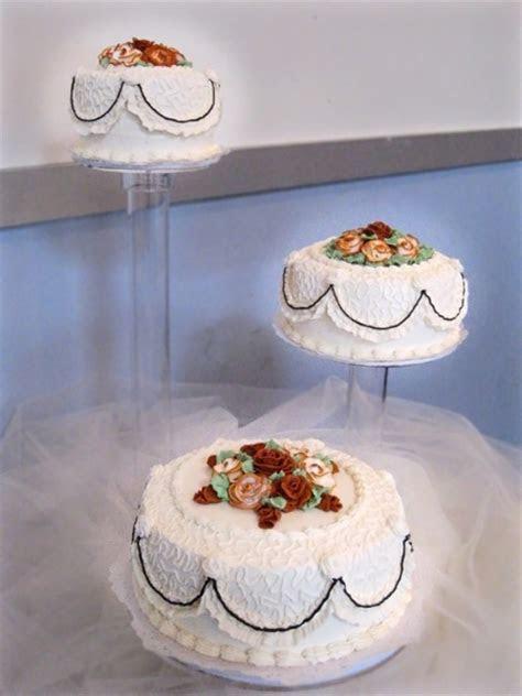 Wedding Cakes : Connie's Cakes LLC