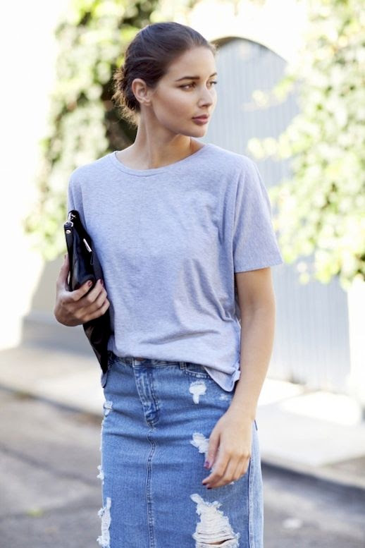 Le Fashion Blog Casual Chic Blogger Style Grey Tee Shirt Distressed Jean Skirt Black Leather Clutch Via Harper & Harley