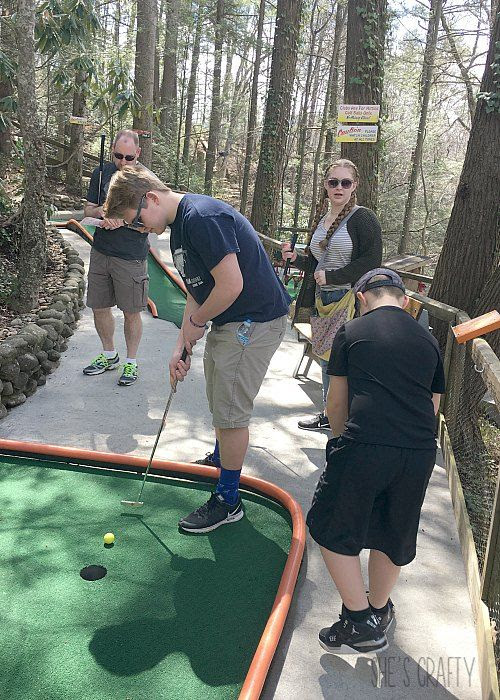 mini golf, family fun, spring break, gatlinburg