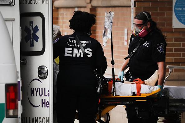 救急車の写真・画像 検索結果 1 画像数3542枚 | 壁紙.com