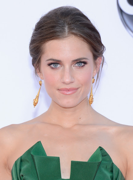 Actress Allison Williams arrives at the 64th Annual Primetime Emmy Awards at Nokia Theatre L.A. Live on September 23, 2012 in Los Angeles, California.