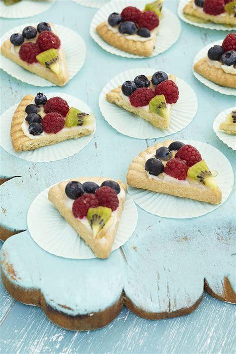 Fruit Pizzas   Evite