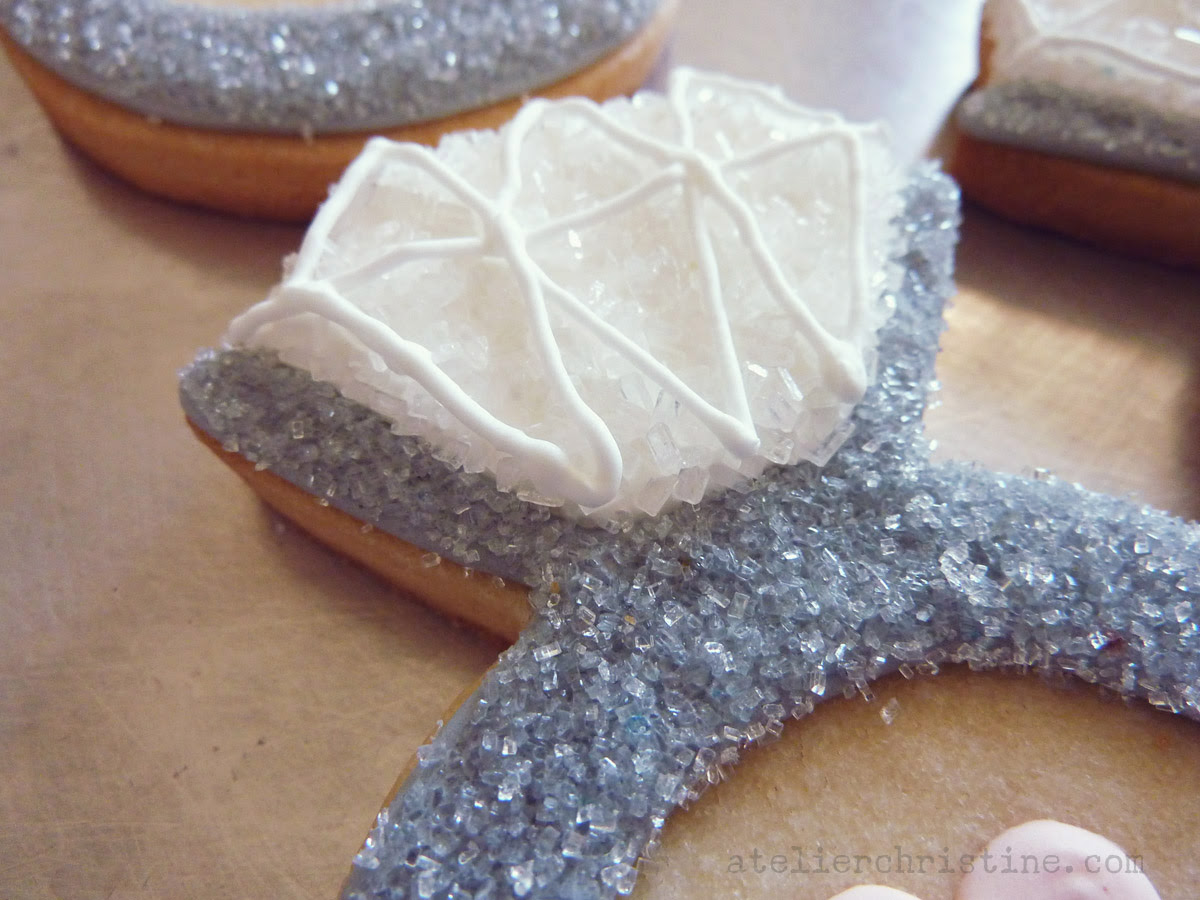 Le Shoppe Diamond Solitaire Ring Cookies For An Engagement Party Atelier Christine