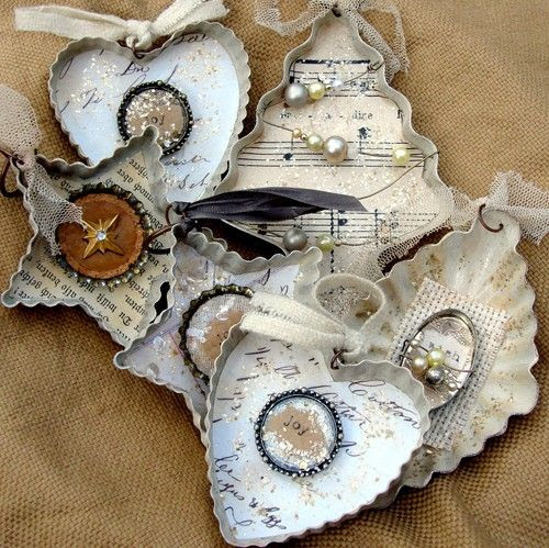 Vintage cookie cutter ornaments.  Cute Christmas Crafts  Pinterest