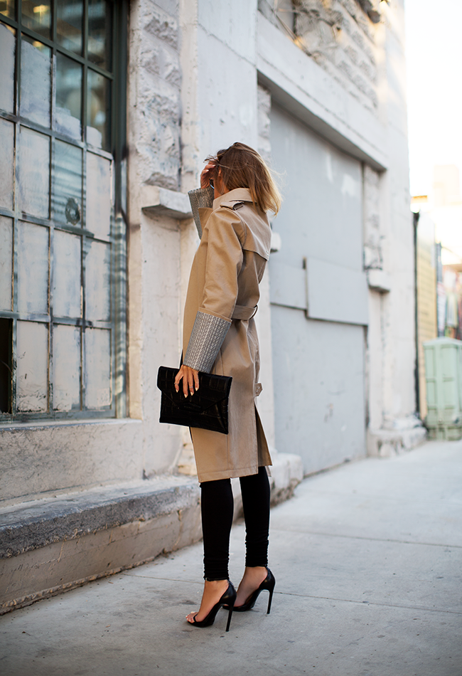 Le Fashion Blog Statement Trench Coat Alexander Wang Cuff Sleeve Clutch Bag Skinny Black Pants Strappy Heel Sandals Via The Native Fox photo Le-Fashion-Blog-Statement-Trench-Coat-Alexander-Wang-Cuff-Sleeve-Clutch-Bag-Skinny-Black-Pants-Strappy-Heel-Sandals-Via-The-Native-Fox.png
