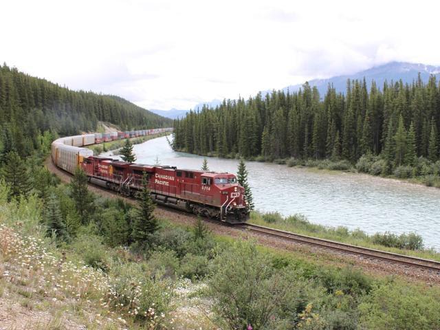 CP 8714 at Morant's Curve, Alberta