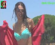 Sylvie Dias sensual em biquini na novela Anjo Meu