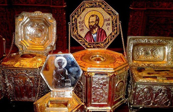 Αποτέλεσμα εικόνας για Άγιος Γέροντας Παΐσιος: «Οι δαιμονισμένοι αντιδρούν σε οτιδήποτε ιερό»